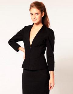 Выбрать стиль одежды деловой стиль