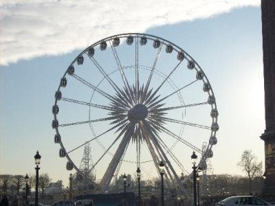 Колесо обозрения в Place De La Concorde